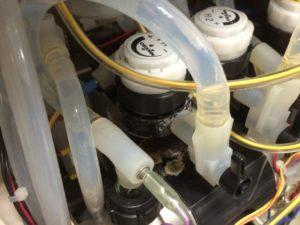 背圧弁H1からの漏れ